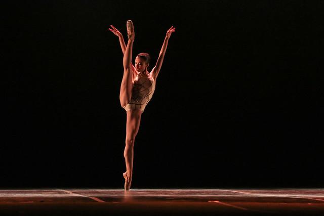 """""""Intus Vultus"""", ATM Centro Cultural de Danças: 2º Lugar Balé Neoclássico l Solo Feminino l Júnior - Maykon Lammerhirt / Festival de Dança / Dilvugação"""