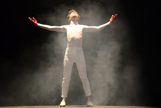 """""""Minha Prisão"""", Escola de Ballet Corpo Livre: 1º Lugar Sapateado l Solo Masculino l Sênior - Nilson Bastian / Festival de Dança / Divulgação"""