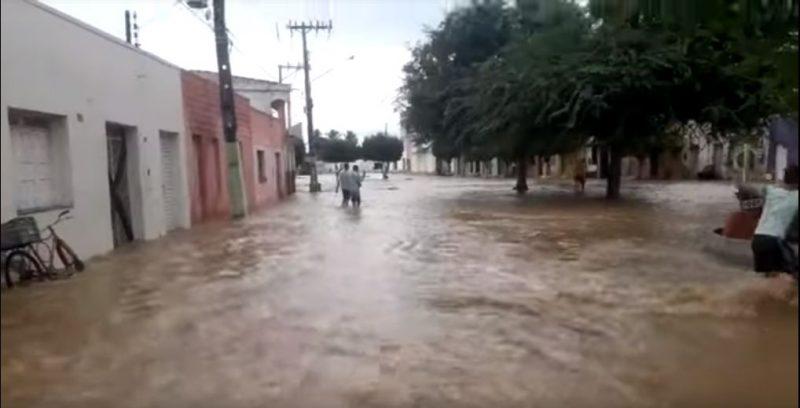 O centro de Coronel João de Sá ficou inundado - marcos jordão/ND