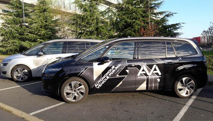 Em março deste ano, o grupo PSA anunciou que vai deixar motoristas comuns testarem veículos com tecnologias de condução autônoma - Foto: Divulgação - Foto: Divulgação/Garagem 360/ND