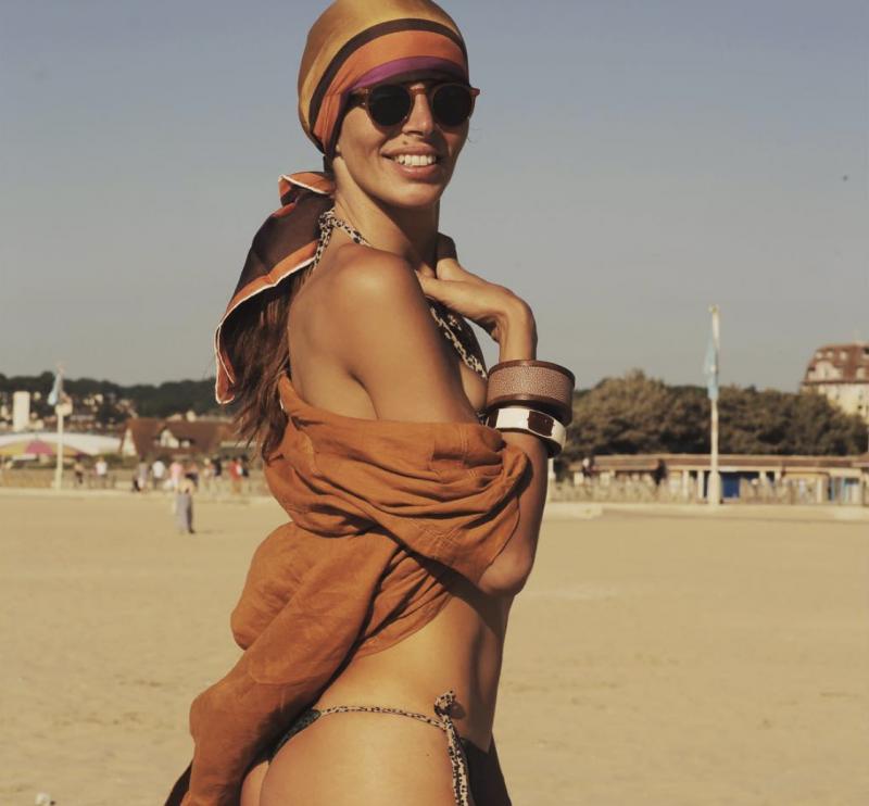Italiana naturalizada brasileira, a campeã mundial de esgrima, Nathalie Moellhausen já foi modelo. Ela é casada com um chef de cozinha argentino e começou a desfilar para a grife da mãe brasileira, na Itália - Reprodução Instagram