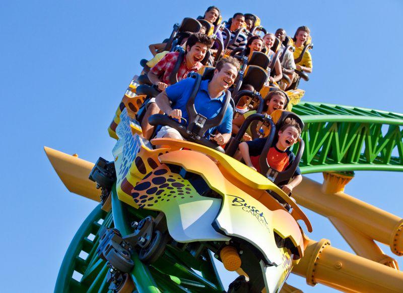 Apesar de ficar em Tampa, o Busch Gardens entra no roteiro de muitos viajantes que vão a Orlando (fica a cerca de uma hora de carro). O forte do parque são as montanhas-russas radicais e os animais selvagens - Divulgação - Divulgação/Rota de Férias/ND