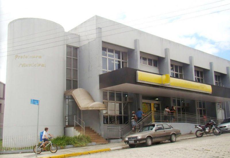 Ex-prefeito de Bom Retiro teria recebido adiantamento para despesas e diárias para uma viagem a Florianópolis, em 2015 – Google Street View/ Reprodução/ND
