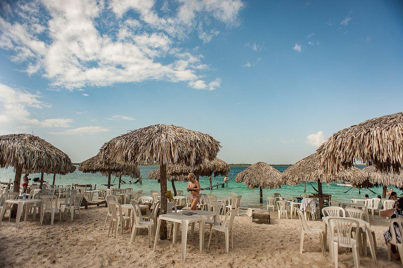 Praia de Jericoacoara fica no Ceará e oferece águas tranquilas e ideais para quem procura sossego - Helder Fontenele via Visualhunt / CC BY-NC-SA - Helder Fontenele via Visualhunt / CC BY-NC-SA/Rota de Férias/ND