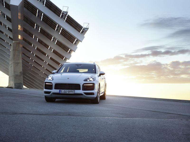 Novo Porsche Cayenne híbrido plug-in chega ao Brasil por R$ 435 mil - Foto: Divulgação