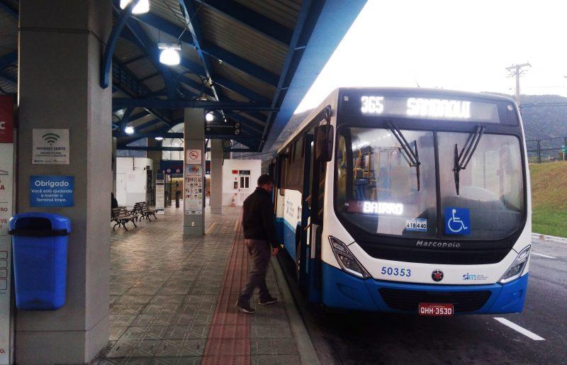 """Linha nº 365 """"Sambaqui Direto"""" não agradou usuários do transporte coletivo em Florianópolis. – Mônica Andrade/ND"""