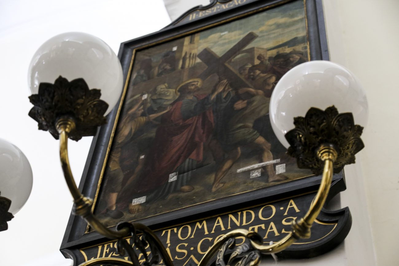 Na última fase da obra, imagens sacras ainda precisam ser restauradas - Anderson Coelho/ND