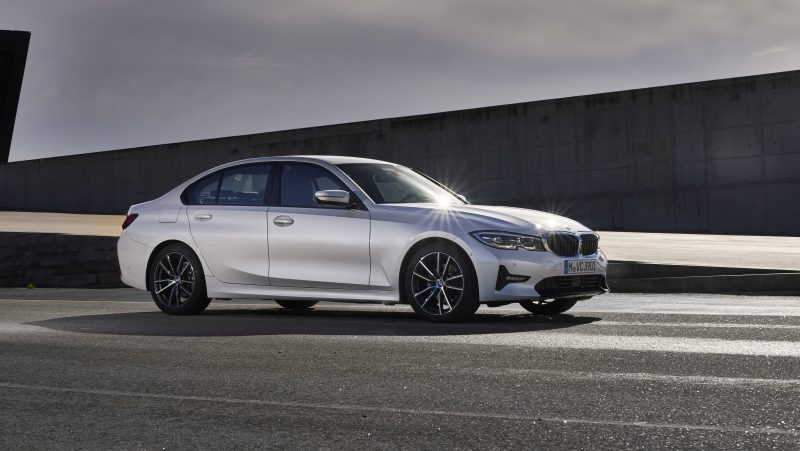 BMW faz parceria com Rappi: compre um 320i e receba R$ 2 mil em serviços ou produtos no app -