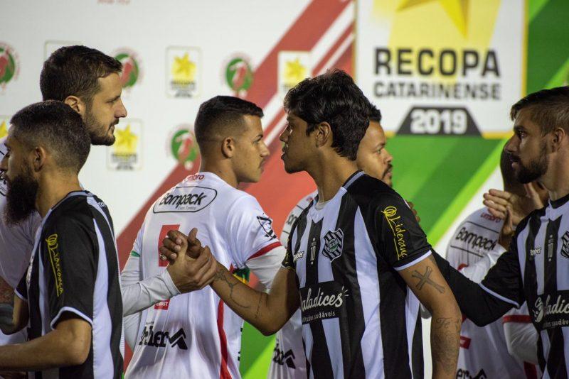 Betinho, volante do Figueirense: grupo não concentrou para o jogo contra o Brusque - FFC/divulgação/ND