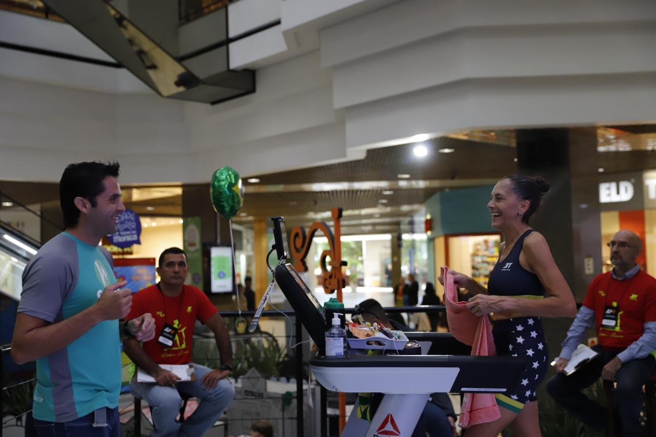 O desafio está acontecendo no vão central do Beiramar Shopping - Eduardo Duks