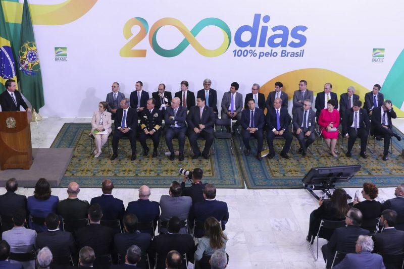 O presidente Jair Bolsonaro participou da cerimônia alusiva aos 200 dias de governo, no Palácio do Planalto – Valter Campanato/Agência Brasil