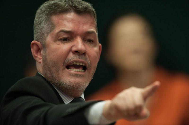 O líder do PSL na Câmara, deputado Delegado Waldir (GO), durante a audiência pública desta terça – Fabio Rodrigues Pozzebom/Agência Brasil/ND