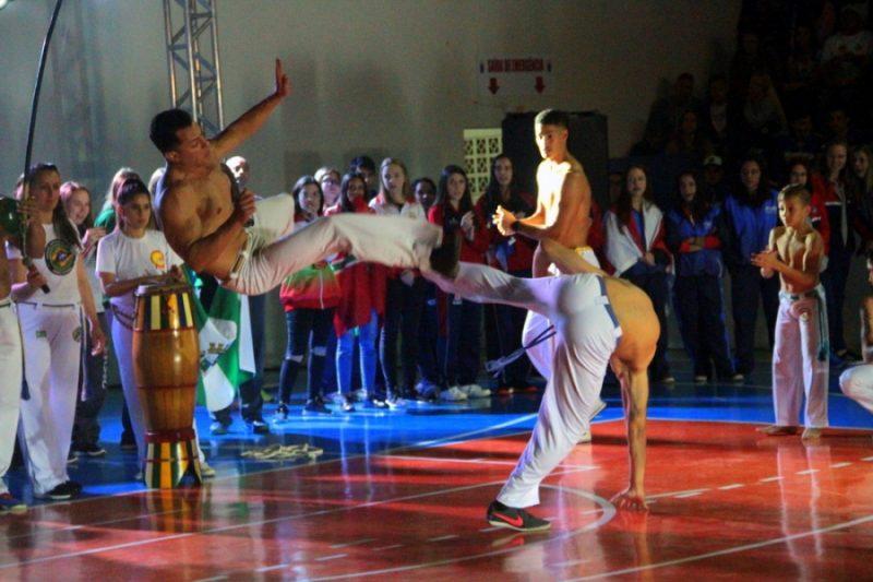 Capoeira abrilhantou e foi destaque na abertura dos Joguinhos Abertos de Rio do Sul – Heron Queiroz/Ascom/Fesporte