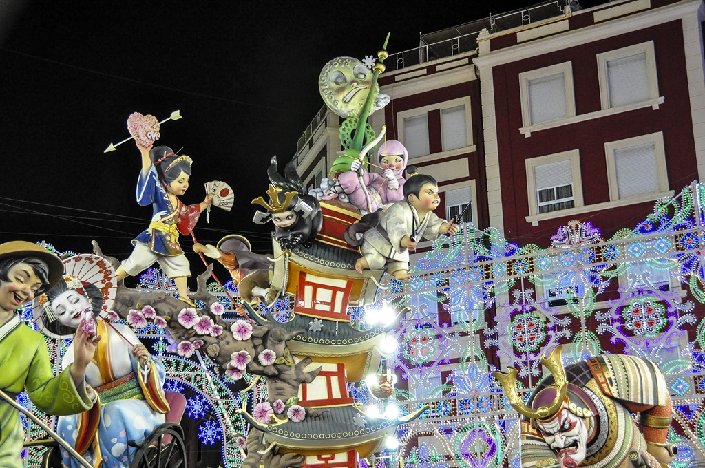 Las Fallas - keith ellwood on Visualhunt / CC BY - keith ellwood on Visualhunt / CC BY/Rota de Férias/ND