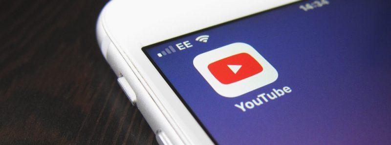 Guia para youtubers sobre como receber pagamentos pelo Google AdSense - Photo by Hello I'm Nik ?? on Unsplash