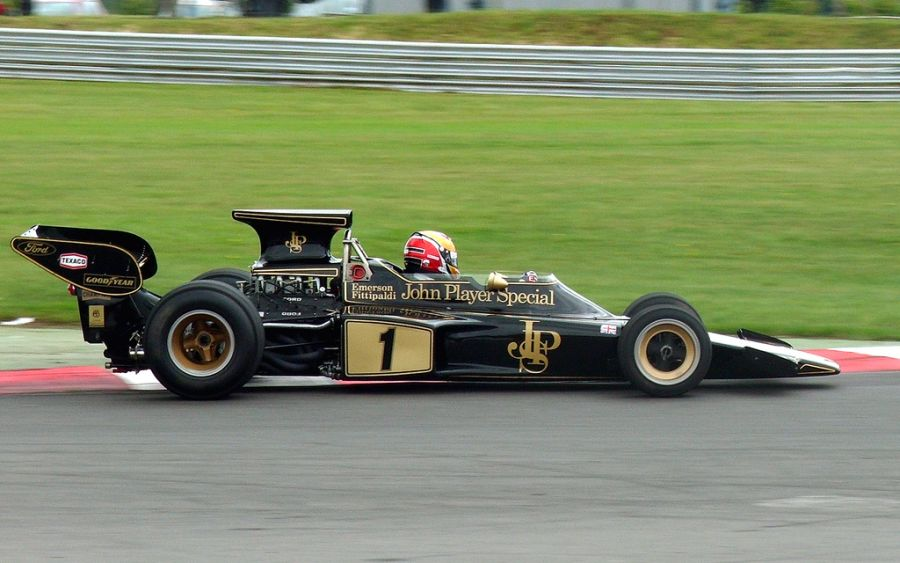 Lotus 72: outra obra prima de Colin Chapman, o Lotus 72 inovou a aerodinâmica da F1; foi o carro que deu ao brasileiro Emerson Fittipaldi seu primeiro título na categoria, em 1972 - Foto: Plbmak via Visual Hunt / CC BY-NC-ND - Foto: Plbmak via Visual Hunt / CC BY-NC-ND/Garagem 360/ND