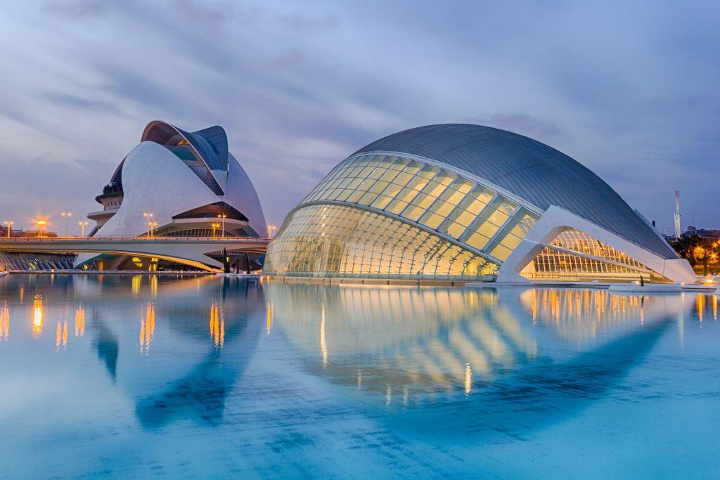 50 - Valência, Espanha - 74.11% - Pixabay - Pixabay /Rota de Férias/ND