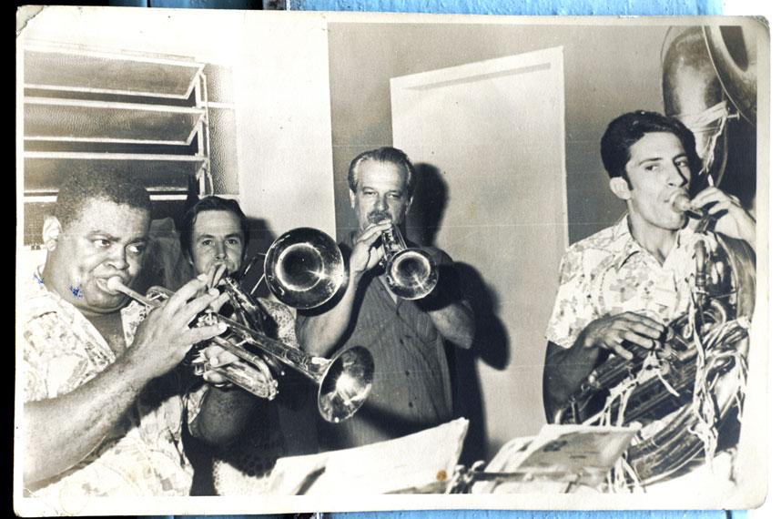 No carnaval, os músicos da Banda da Lapa assumem a tradicional Banda do Zé Pereira - Arquivos Banda da Lapa/Divulgação