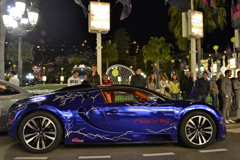 Os raios pintados na carroceria desse Veyron também são polêmicos - Foto: Alexandre Prévot via VisualHunt / CC BY-SA - Foto: Alexandre Prévot via VisualHunt / CC BY-SA/Garagem 360/ND