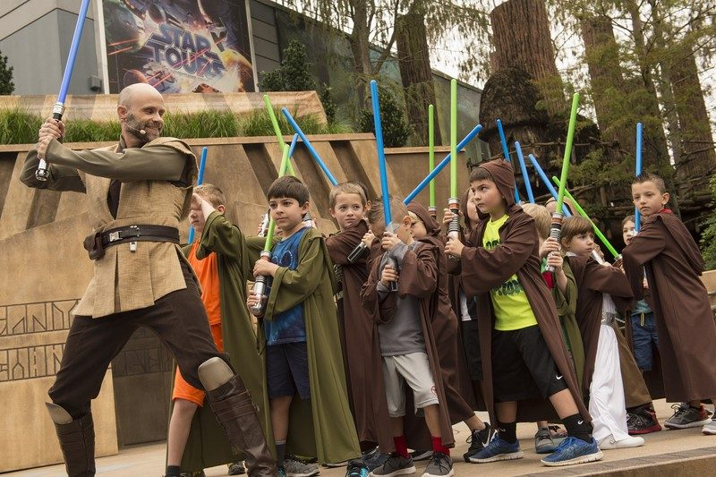 Os pequenos que sonham em ser jedis podem participar da atividade Jedi Training: Trials of the Temple - Divulgação - Divulgação/Rota de Férias/ND