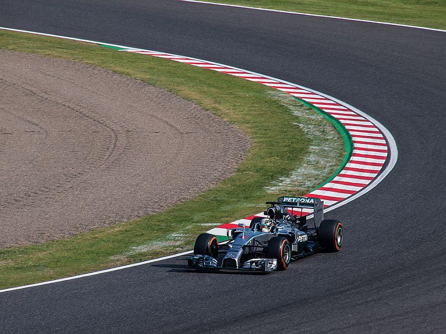 Mercedes-Benz F1 W05 Hybrid: primeiro carro campeão da nova era turbo da categoria, o bólido que deu o segundo título mundial para Lewis Hamilton conquistou 16 das 19 corridas de 2014, sendo pole em 18 das 19 etapas - Foto: nhayashida via VisualHunt.com / CC BY - Foto: nhayashida via VisualHunt.com / CC BY/Garagem 360/ND
