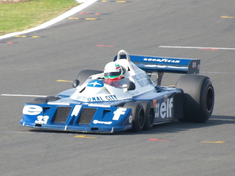 Tyrrell P34: é até hoje o único carro com seis rodas a competir oficialmente na F1. Correu em 1976 e 1977, vencendo o GP da Suécia de 1976, com Jody Scheckter - Foto: Islander1658 on VisualHunt.com / CC BY-NC-SA - Foto: Islander1658 on VisualHunt.com / CC BY-NC-SA/Garagem 360/ND