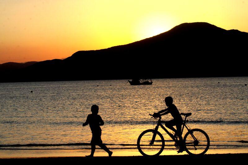 Florianópolis (SC) é uma boa opção para visitar lindas praias sem ir ao Nordeste. Os hermanos adoram - Divulgação - Divulgação/Rota de Férias/ND