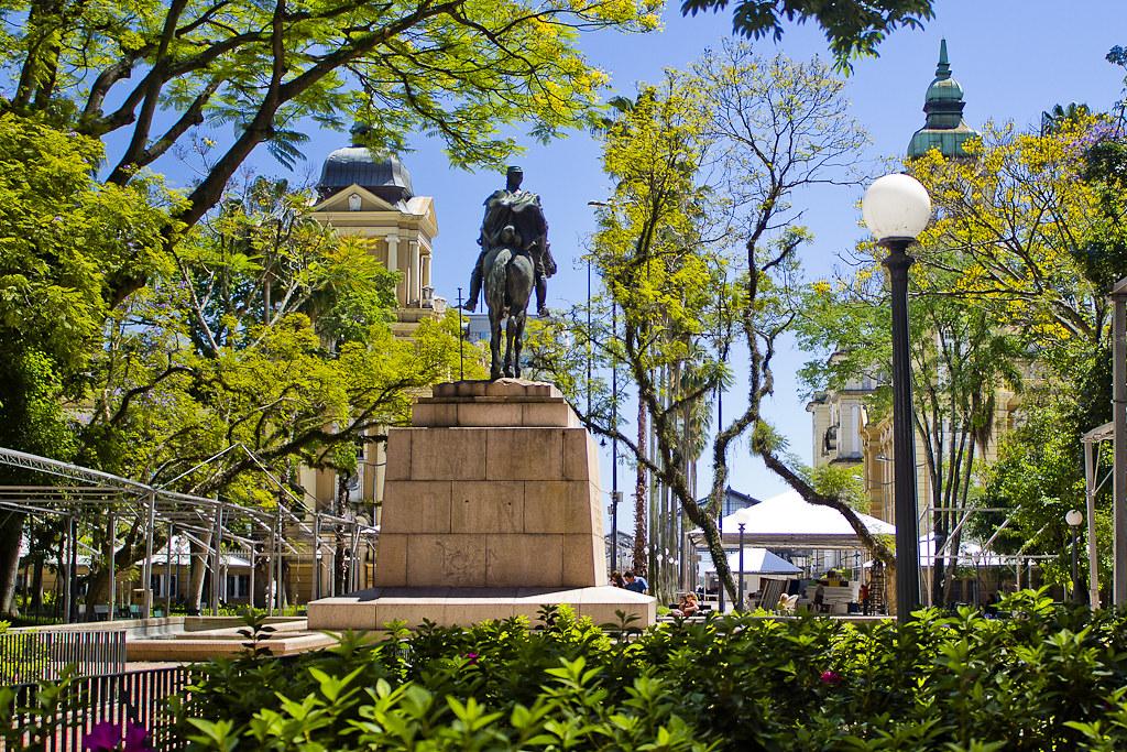 Porto Alegre, Rio de Grande do Sul - Aline Rebelo on Visual Hunt / CC BY - Aline Rebelo on Visual Hunt / CC BY /Rota de Férias/ND