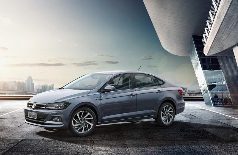 Volkswagen Virtus TSI: assim como o Polo, as versões turbinadas do sedã tem tem 128 cv de potência e 20,4 kgfm de torque - Foto: Divulgação - Foto: Divulgação/Garagem 360/ND