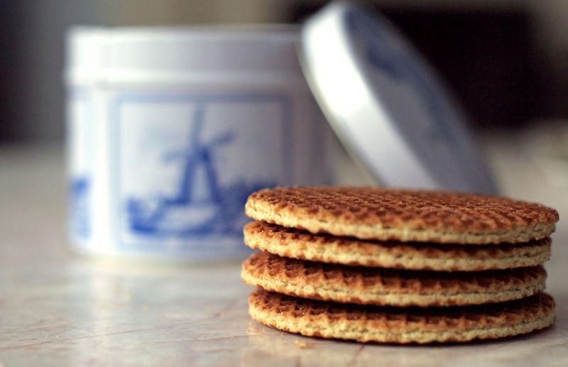O stroopwafel é uma das joias da cultura holandesa. O doce é uma espécie de bolacha waffle macia recheada com caramelo. Vai muito bem com um cafezinho ou chá - Shereen M via VisualHunt / CC BY-NC-ND - Shereen M via VisualHunt / CC BY-NC-ND/Rota de Férias/ND