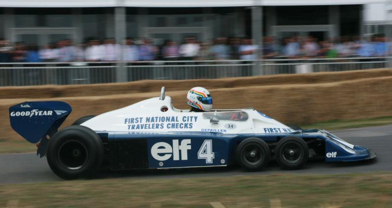 Tyrrell P34: é até hoje o único carro com seis rodas a competir oficialmente na F1. Correu em 1976 e 1977, vencendo o GP da Suécia de 1976, com Jody Scheckter - Foto: Supermac1961 on VisualHunt / CC BY - Foto: Supermac1961 on VisualHunt / CC BY/Garagem 360/ND