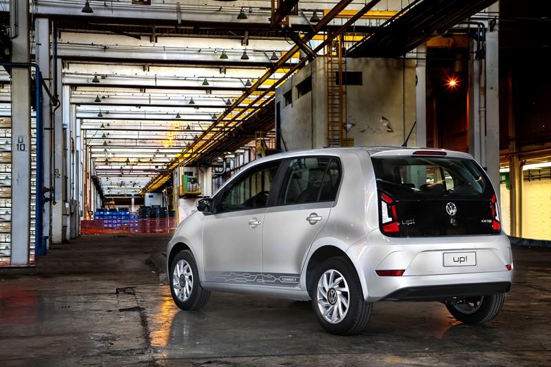 Volkswagen Up TSI: o compacto inaugurou no País, em 2015, os modelos três cilindros 1.0 turbinados; seu propulsor rende 105 cv de potência e 16,7 kgfm de torque - Foto: Divulgação - Foto: Divulgação/Garagem 360/ND