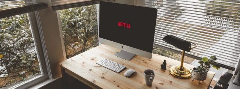 5 gêneros estranhos (e desconhecidos) da Netflix - Photo by Clay Banks on Unsplash