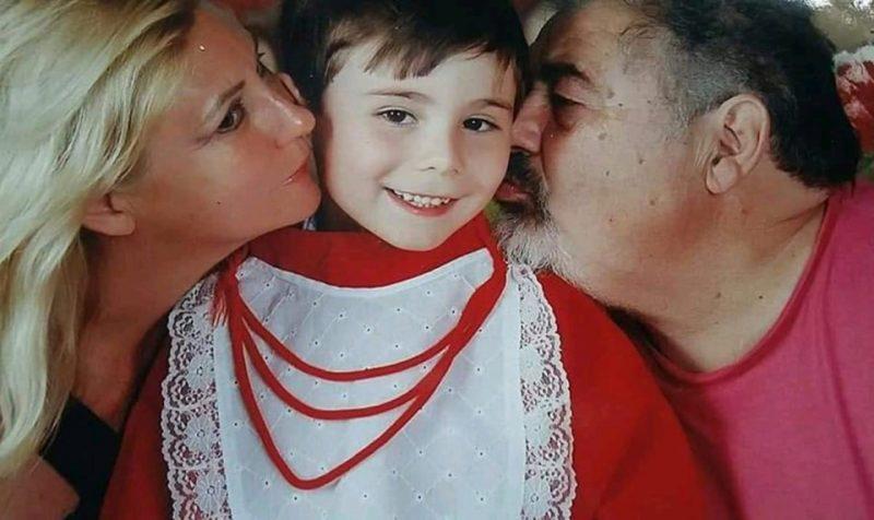 Na foto, Loraci Matthes, 50 anos, o filho Mateo Tuneu, 8 anos, e Carlos Alberto Tuneu, 67 anos – Reprodução/Arquivo Pessoal/ND