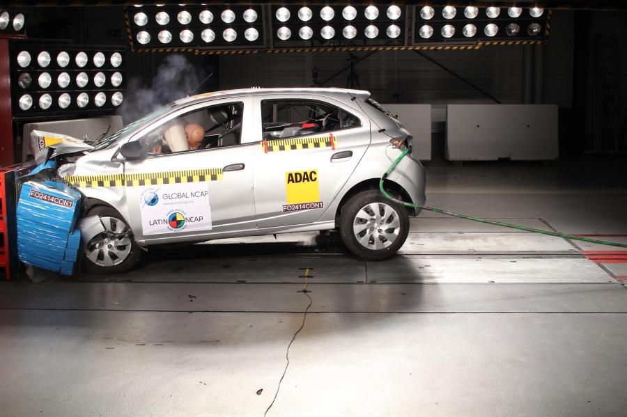 Assim como o Ford Ka, o Chevrolet Onix zerou. O problema também foi o impacto lateral - Foto: Divulgação - Foto: Divulgação/Garagem 360/ND
