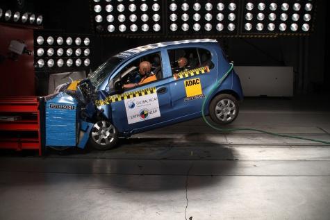 A versão analisada foi sem airbags, mas a estrutura do New QQ deixou a desejar na avaliação do Latin NCAP em julho de 2015 - Foto: Divulgação - Foto: Divulgação/Garagem 360/ND