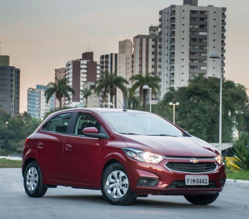 Chevrolet x Volkswagen: qual hatchback deprecia menos - Divulgação