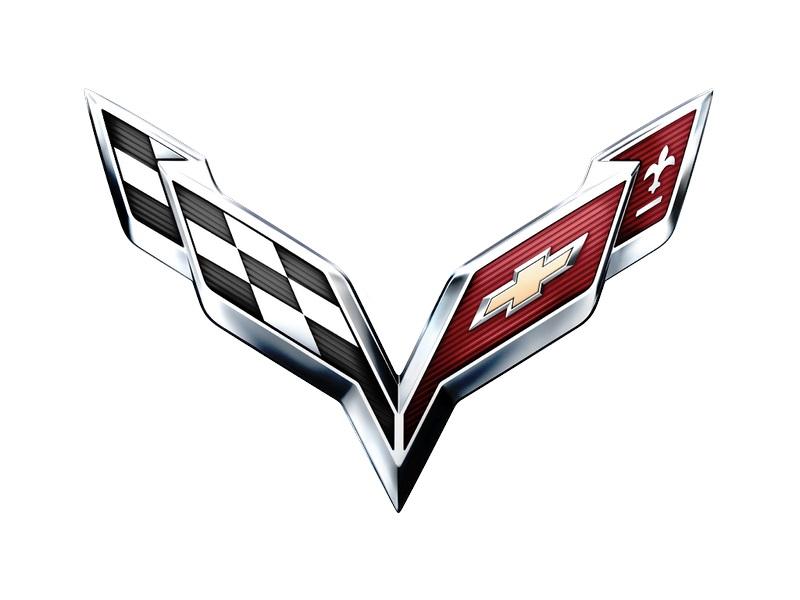 Supercarro da Chevrolet, o Corvette usa um logotipo próprio. O lado esquerdo representa as corridas, enquanto que o direito incorpora a gravata da marca americana e a flor-de-lis, que faz referência à origem francesa da família Chevrolet - Foto: Divulgação - Foto: Divulgação/Garagem 360/ND