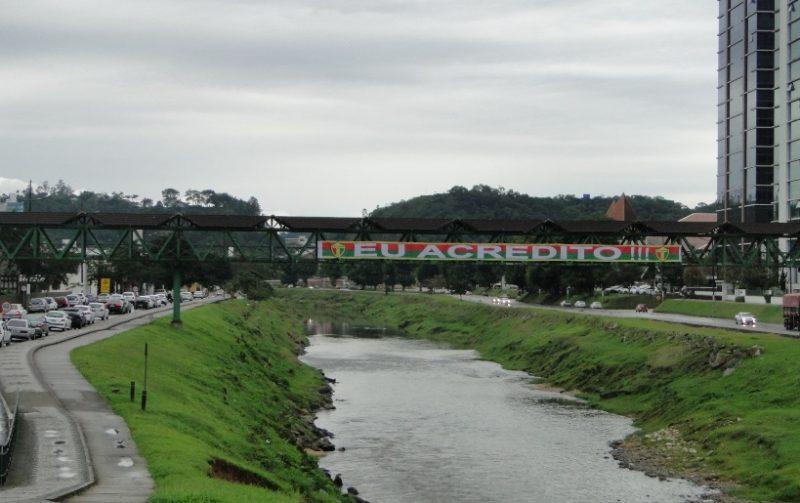 Comunidade local já deu recado; apesar do dia carrancudo, clima é de otimismo em Brusque - Diogo de Souza/ND