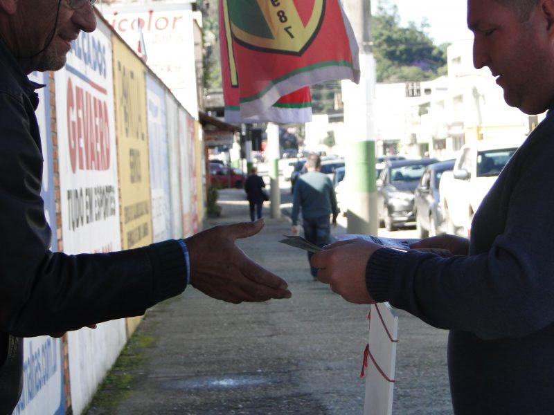 Torcida do Brusque está esperançosa e promete lotar o Augusto Bauer - Diogo de Souza