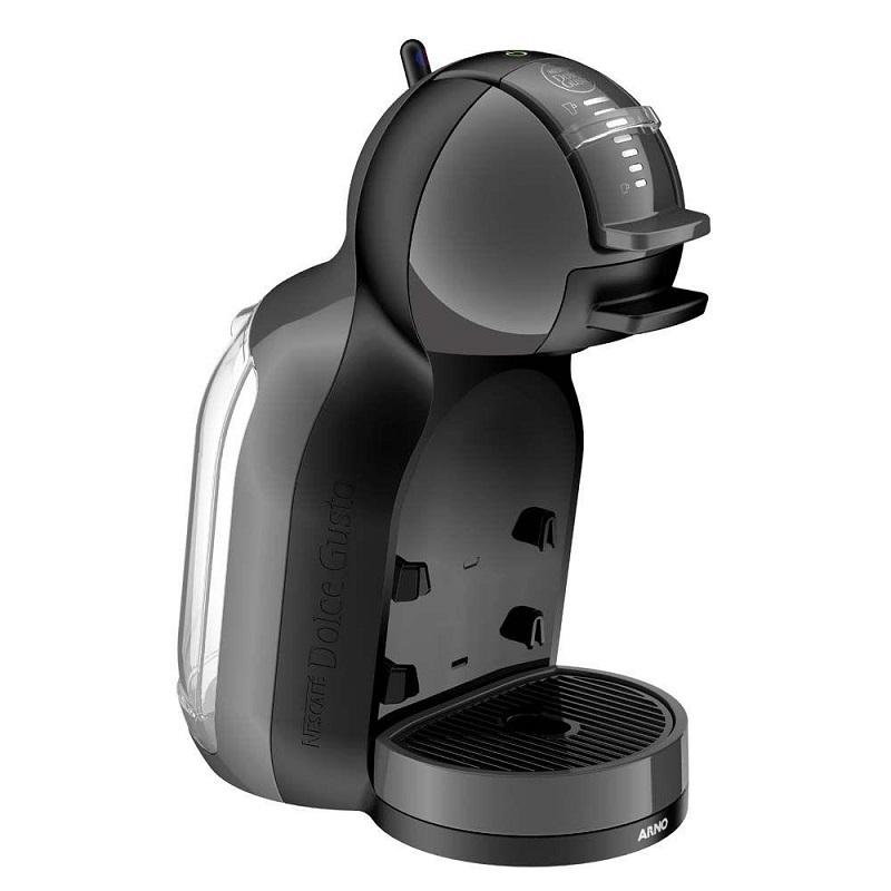 Dolce Gusto Mini Me – Esta máquina é ideal para o pai que adora café – seja um espresso ou um cappuccino cremoso. O modelo tem o melhor custo-benefício da marca e prepara bebidas quentes e frias. Está disponível nas cores preto e vermelho. Preço sugerido: R$ 299. - Crédito: Divulgação/33Giga/ND