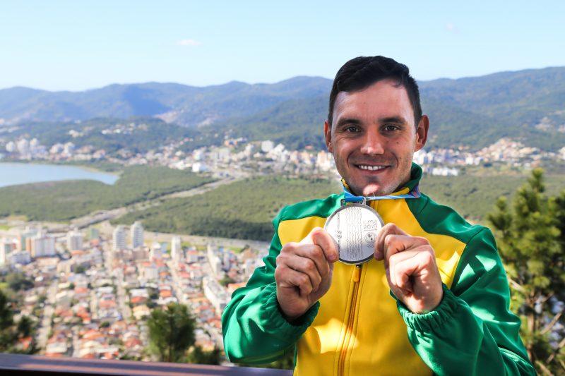 Em setembro atleta começa uma maratona de etapas de etapas da Liga Mundial no Japão, no Chile, na Rússia e na Espanha – Anderson Coelho/ND