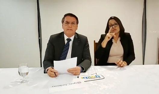 Persidente Jair Bolsonaro durante live semanal nesta quarta-feira, via Facebook. – Reprodução/Facebook