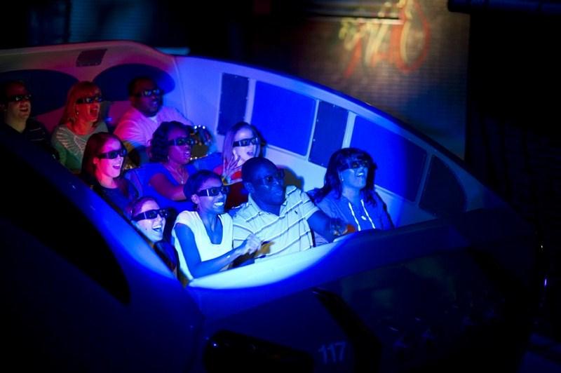 O simulador Amazing Adventures of Spider-Man é um dos brinquedos mais clássicos do complexo da Universal. Apesar de ser antiga (lançada em 1999 e repaginada em 2012), a atração é imperdível. Os visitantes embarcam em carrinhos e ajudam o Homem-Aranha a combater seus inimigos. Ao longo do caminho, os participantes passam por obstáculos como explosões, ventos e jatos de água - Divulgação - Divulgação/Rota de Férias/ND