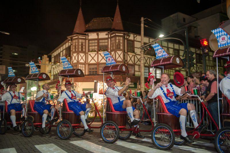 Principal polo econômico e turístico do Vale, Blumenau é conhecida no Brasil e exterior pela Oktoberfest – Markito/Santur/Divulgação/ND