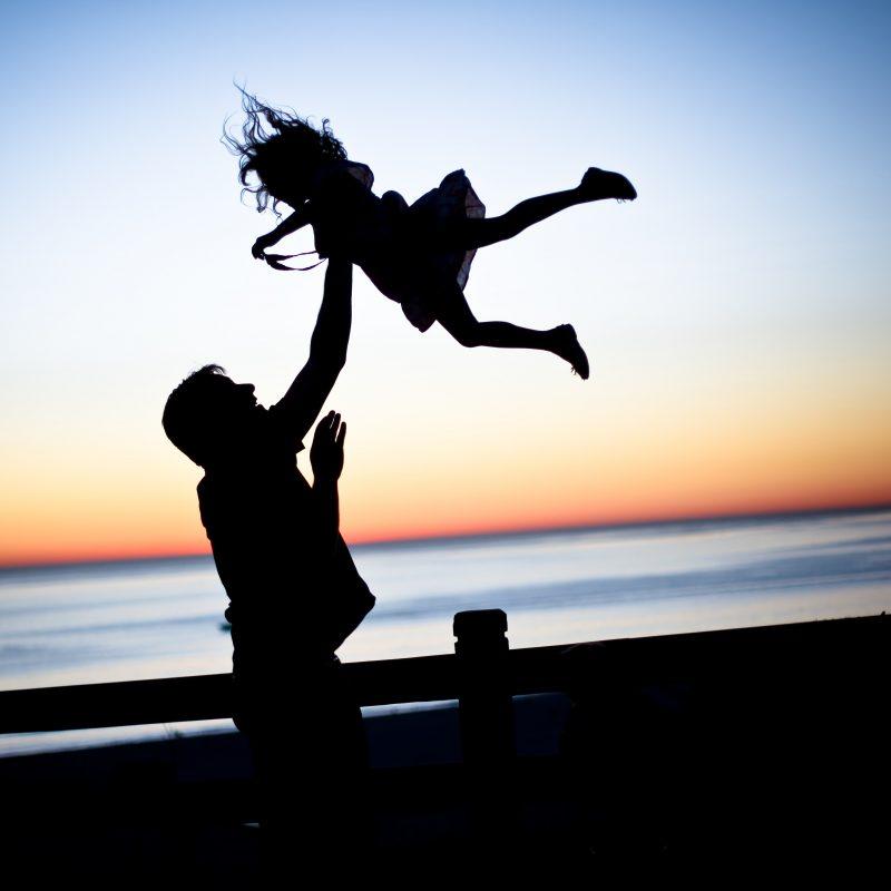 Passe mais tempo com os filhos e aproveite todas as fases do crescimento - Lauren Lulu Taylor/Unsplash