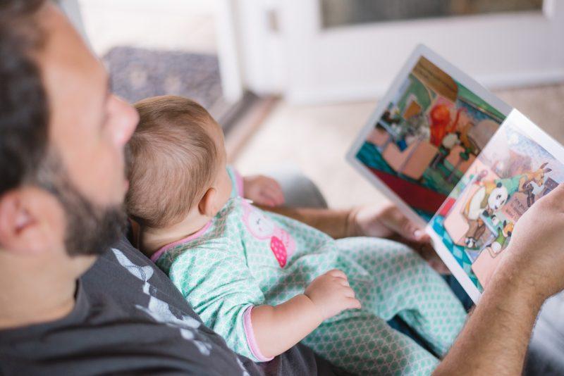 Até os três anos de idade não é recomendado o uso de telas - Picsea/Divulgação
