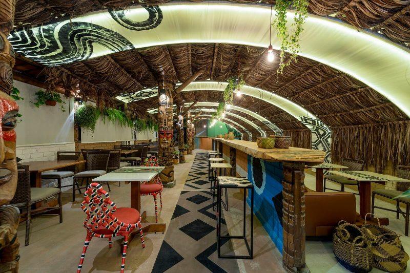 Restaurante Motírõ, do escrtório Ileon Arquitetura, formado por Ileon de Mello, Jordana Battisti e Marcelo Urizar – Lio Simas/CasaCor SC/Divulgação