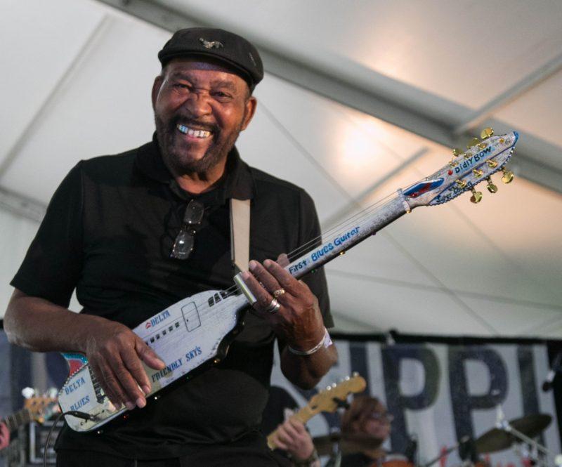 O bluesman norte americano do Mississippi Super Chikan é um dos destaques da programação – Divulgação/ND