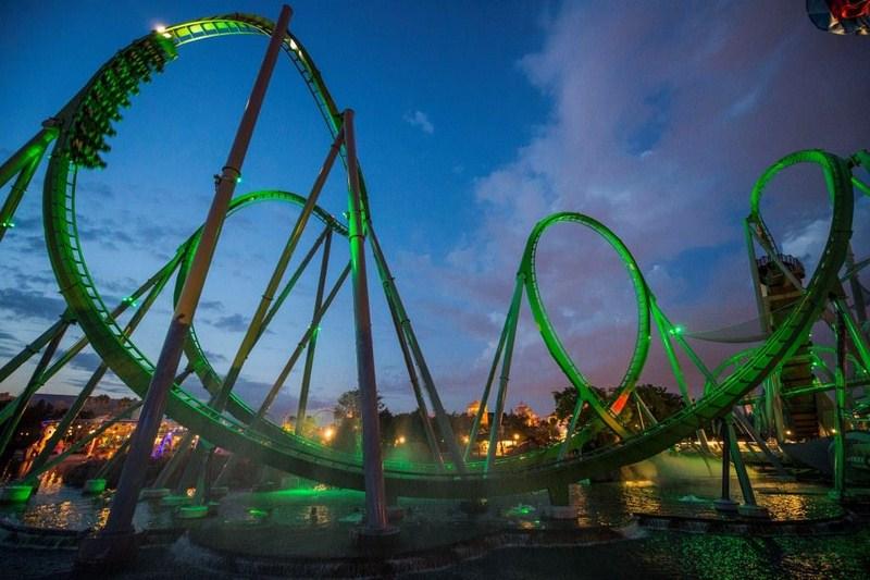 A Incredible Hulk Coaster foi repaginada em 2016 e ganhou novo carrinho e fila interativa - Divulgação - Divulgação/Rota de Férias/ND